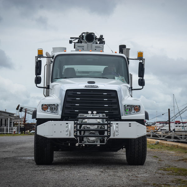 Front View of Vac-Con X-Cavator Truck
