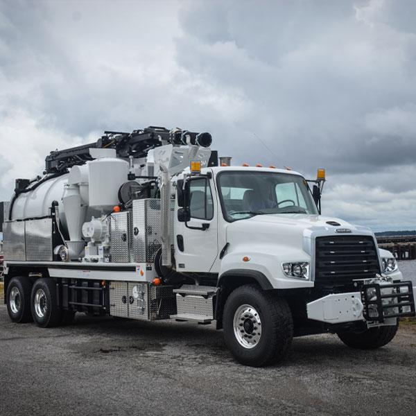 Vac-Con X-Cavator Truck