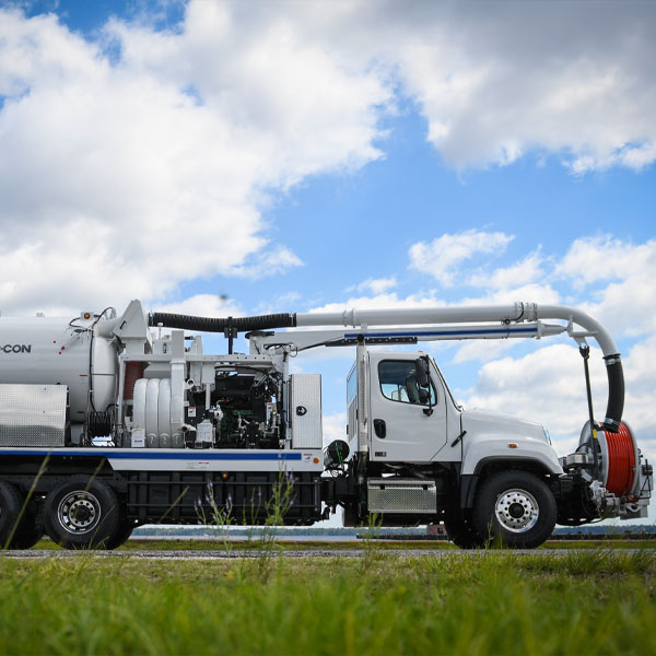 Vac-Con Dual Engine Combo Truck Side View