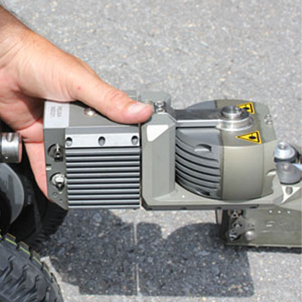 An operator positions the Rausch recording device