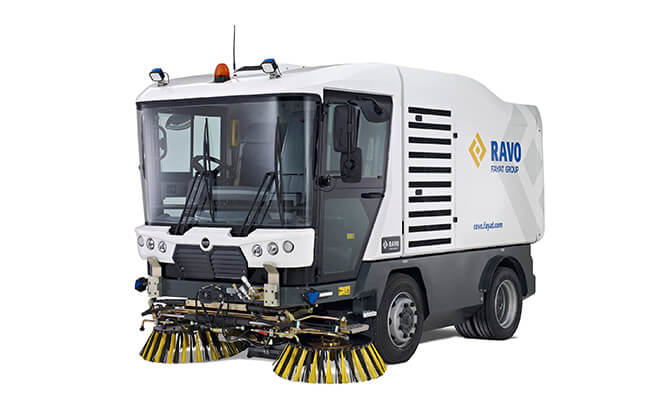 Rental Ravo 5 iSeries Sweeper Front View