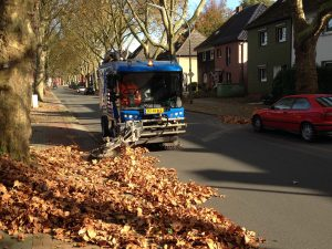 Used Ravo 5 iSeries Sweeper Cleaning Residential Suburban Streets