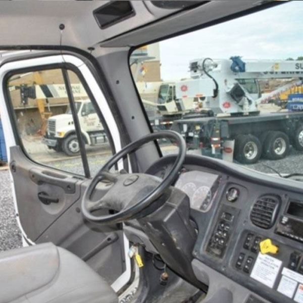 Inside View of VAC-CON IXPD5712 MHE/1100 XCAVATOR