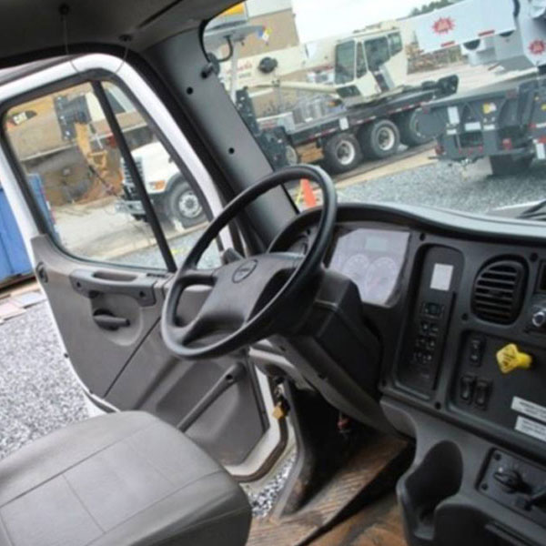 Inside View of Vac-Con VXPD4212 LHE/1300 Xcavator