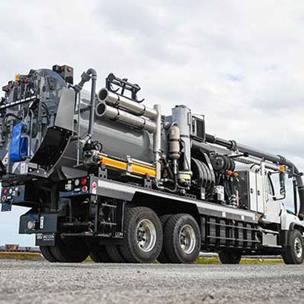 Vac-Con Recycler Truck