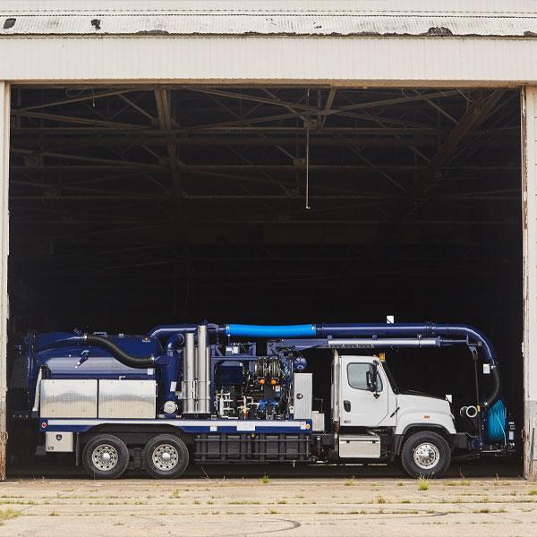 Closer Side View of Vac-Con Titan Truck