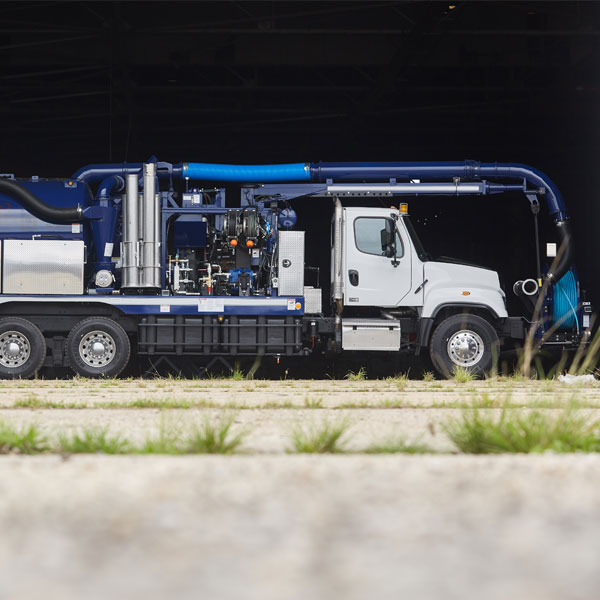 Vac-Con Titan Truck Side View